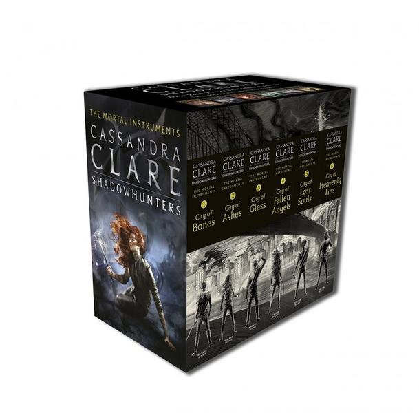 The Mortal Instruments Slipcase: Six books by Cassandra Clare